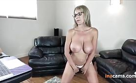 Sexy Mature Mom with Glasses Hot and Fitness Model